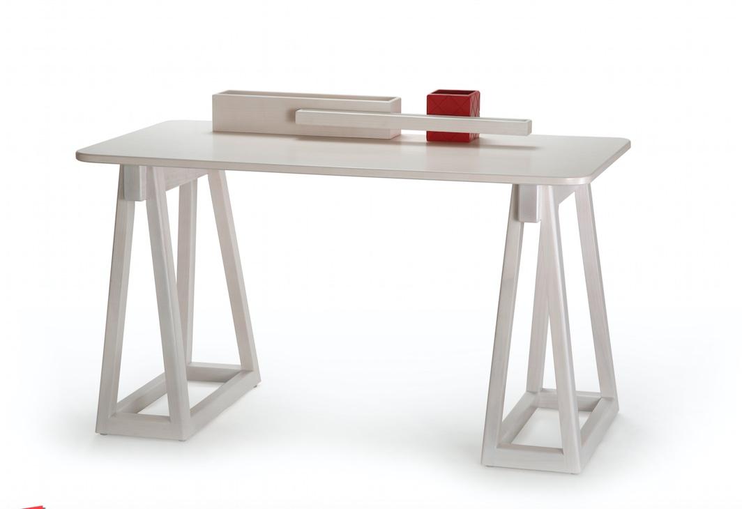 Clip Desk