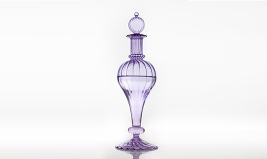 Decanter with a merged cone and sphere shape