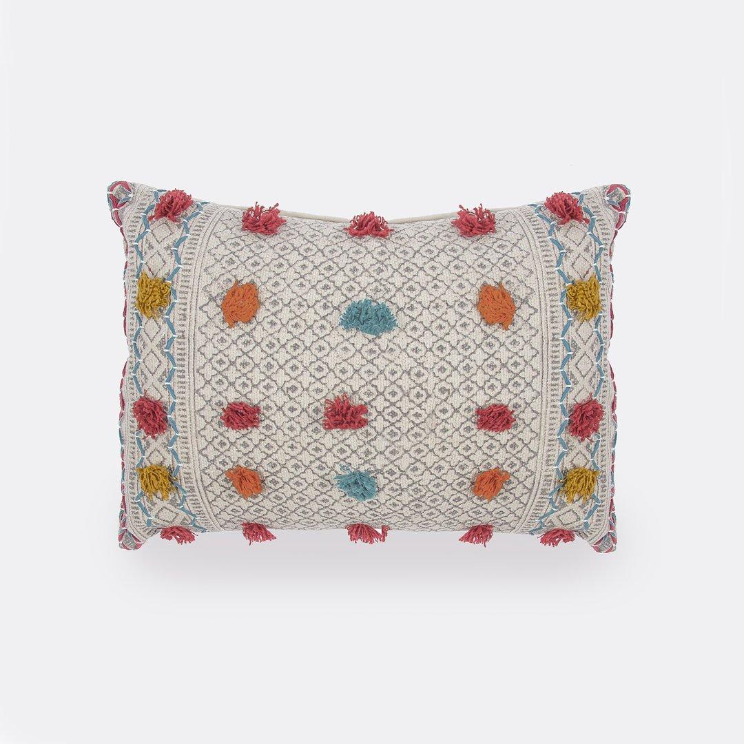 Daxa Cushion