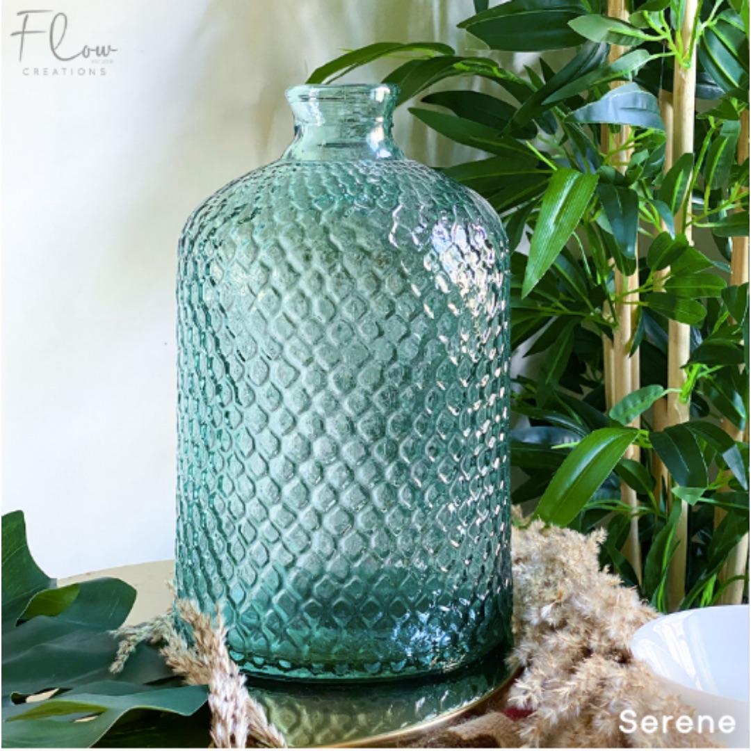 Serene 1 Vase